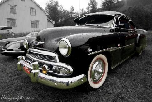Gikk du tidlig gikk du glipp av denne. Knallstilig Chevy fra 1951, lett customisert (350/350) importert fra statene, og straks på skilt. Dagens soleklare favoritt!