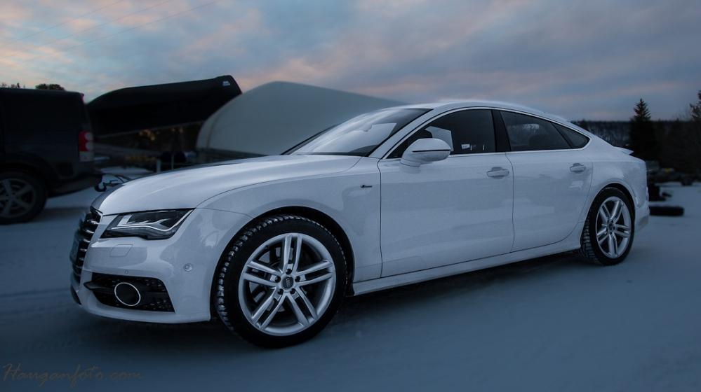 Ikke ideelle omgivelser (omgivelser er sinnsykt viktig for et bra bilde!), men Audi A7 er Audi A7. Vakker!