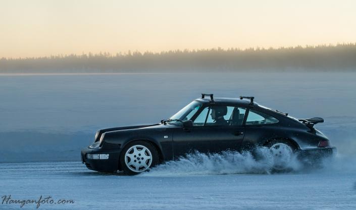 Klassiker! Denne Porsche 911'en drar litt på åra, men du verden så fin den er!