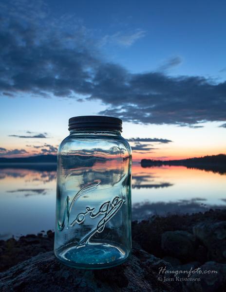 Man tager et norgesglass (stort) og et stk Femund (enda større) og en fin nattehimmel (enda, enda større). Kan det bli noe stilig av det?