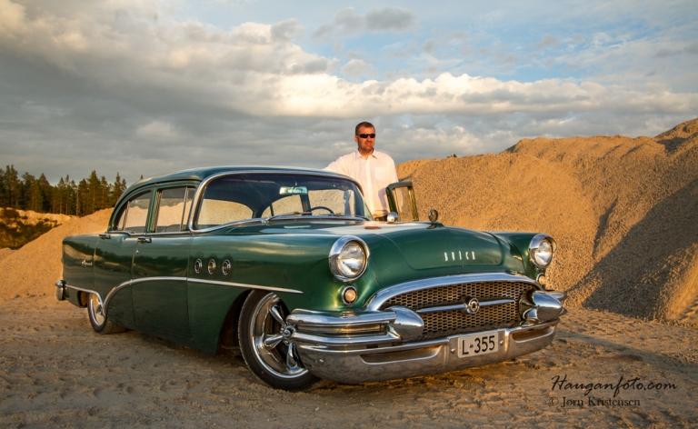 En mann og hans bil