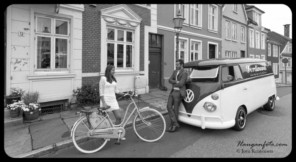 Nostalgisk sykkel og søt pike og barsk buss og tøff kar. En såkalt vinn-vinn-vinn-vinn situasjon.