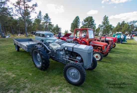Lokale nymala og patinerte traktorer var godt representert. Et artig innslag som også skaper mye hyggelig prat om gamledager.