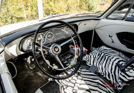 Når man hadde kikka på alle bilene, var det jo bare å ta en ny runde å se på interiør (jeg vet, jeg er bilnerd). Her en flott Ford Taunus.