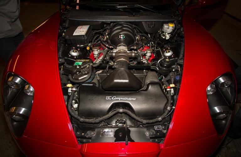 Motoren er trukket laaangt bak for å få enda bedre vektfordeling.