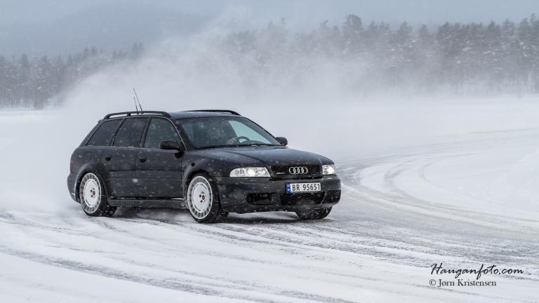 Thomas Skaala i fint driv. For en bil! Tunet i Tyskland, går fælt!