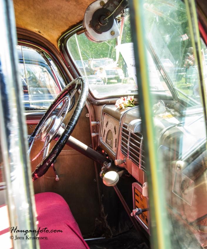 Her lukte det herlig gammel bil ut av vinduet, kjenner du det?