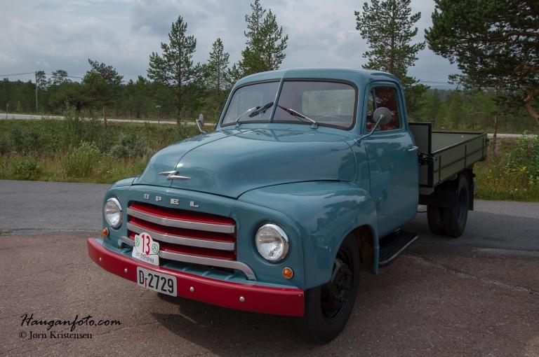 Opel Blitz. Disse lastebilene har jeg stor sans for. Slike gikk det mange av rundt på gardene.