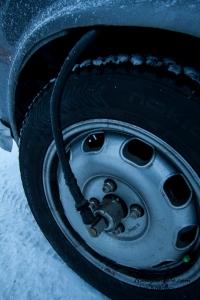 Alfaen hadde ekstrautstyr på felgen for å kunne måle avstand mer nøyaktig. På vinterføre blir det mye hjulspinn så mange biler hadde slik på forhjulet for å holde kontroll på antall km og tidsforbruk (de kjører på idealtid).