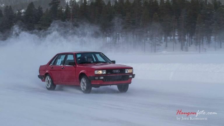 Dagens kuleste bil! (det må nevnes at jeg er ekstra glad i biler som er litt eldre).