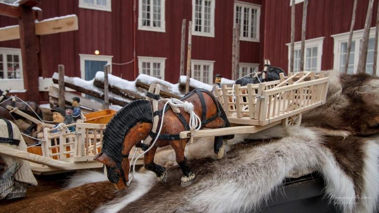 Skikkelig fine var de hestene med slede og utstyr.