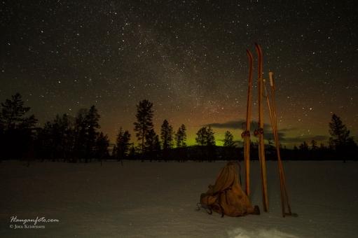 Hickory treski, en gammel sekk og et par bambusstaver. Så enkelt, men i mine øyne ble det ganske så vakkert.