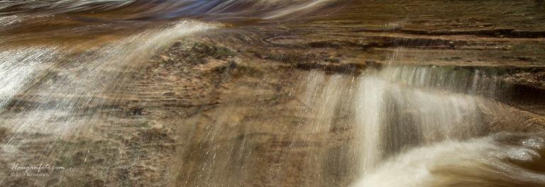 Vann over berg