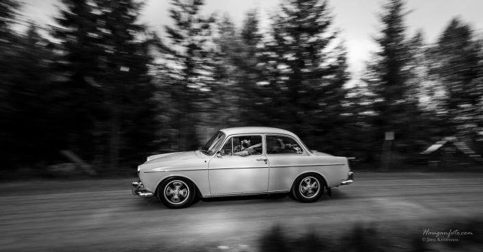 Litt bilder med bilen i fart gjør seg :-)