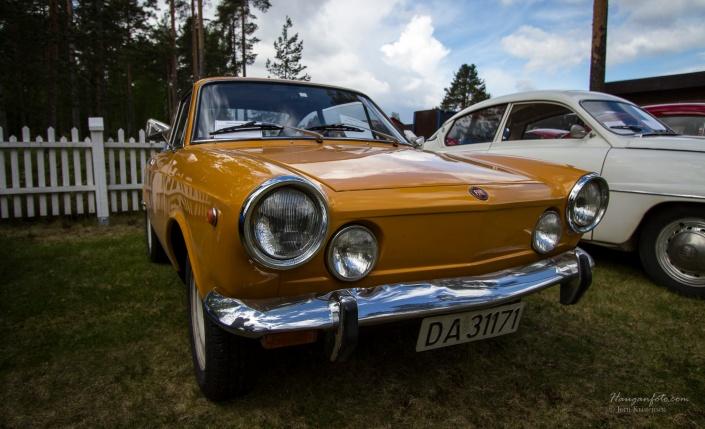 Fiat 850 sport. Denne lå til salgs i 12 minutter på Finn.no så var den solgt til nåværende eier (i vinter en gang). Det gjelder å følge med ;-)