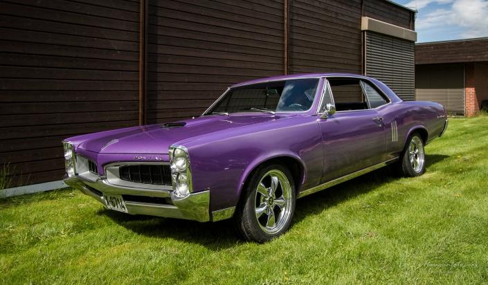 Knall lilla, knall strøken, knall tøff. Men ville jeg lakka en slik bil lilla?