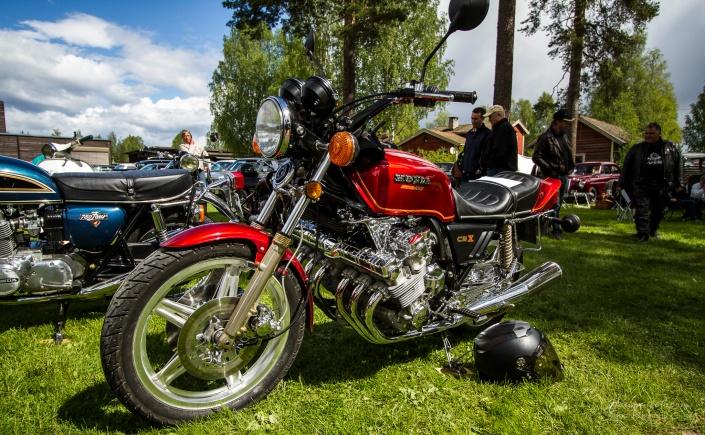 Honda Super Sport CBX med seks sylindere. SEKS SYLINDERE! Vannvittig.