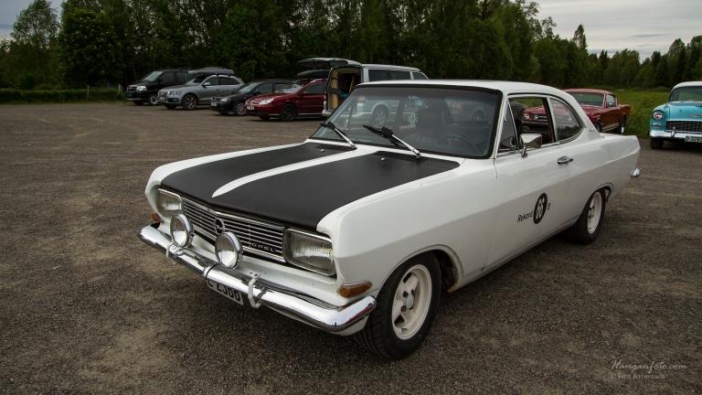 Denne Opel Rekorden (Rekord B fra 1966) var veldig stilig. Litt personlig stuk har jeg sansen for.