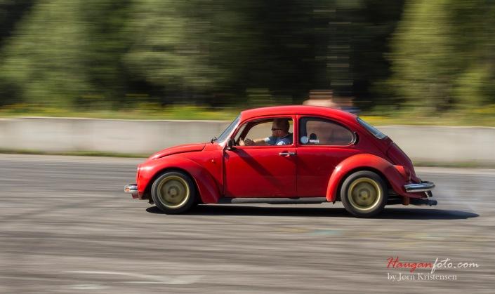 1303 Super Dumper - en lang reise som sklir ut. Vel det heter i alle fall prosjekttråden til denne karen på VW Norge. Skikkelig fin bil, og fort gikk'n!