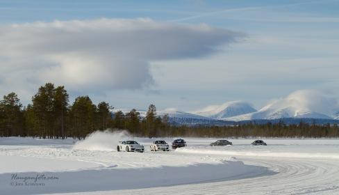 Fint vær fredagen og god stemning på isen :-) Tips fra meg; lurt å ta fri fra jobben fredagen.