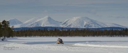 Jeg kjører, Arne S Bjørsvik fotograferer.